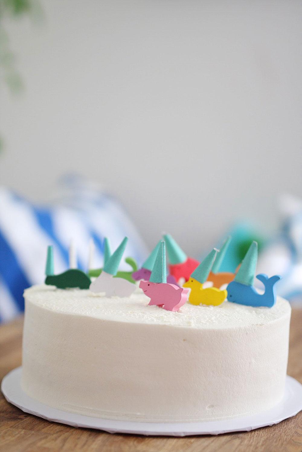 Jestcafe.com--Max's-birthday-cake3