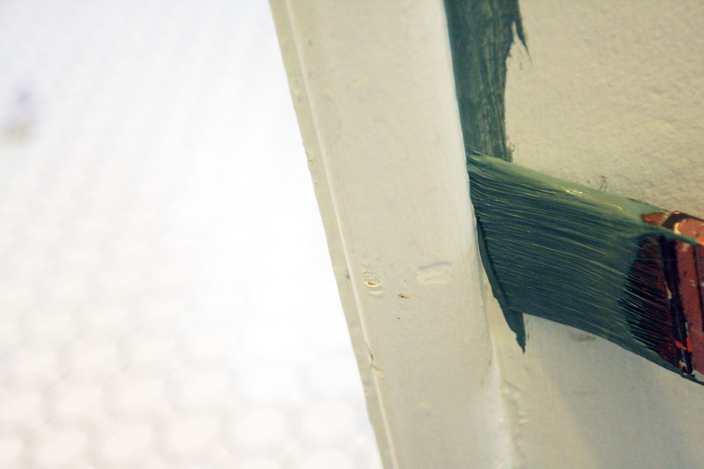 jestcafe.com---painting-hallway-14