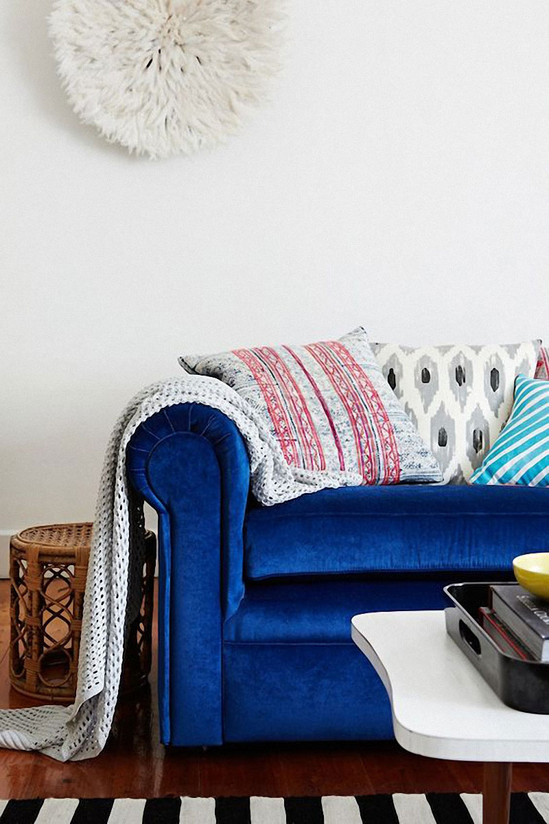 jestcafe.com-colorful-sofas29