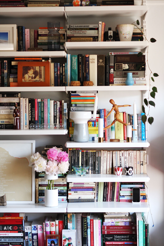 jestcafe.com-bookshelves23