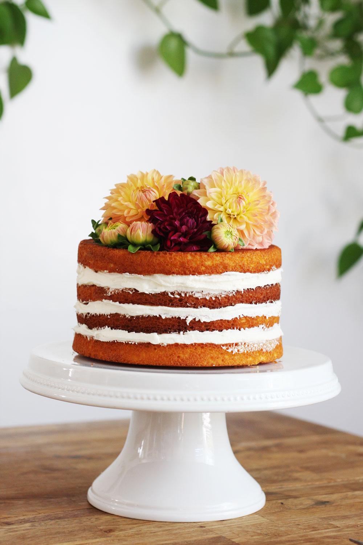jestcafe.com-babyshower-and-naked-cake12