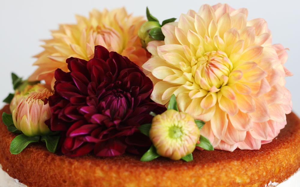 jestcafe.com-babyshower-and-naked-cake15