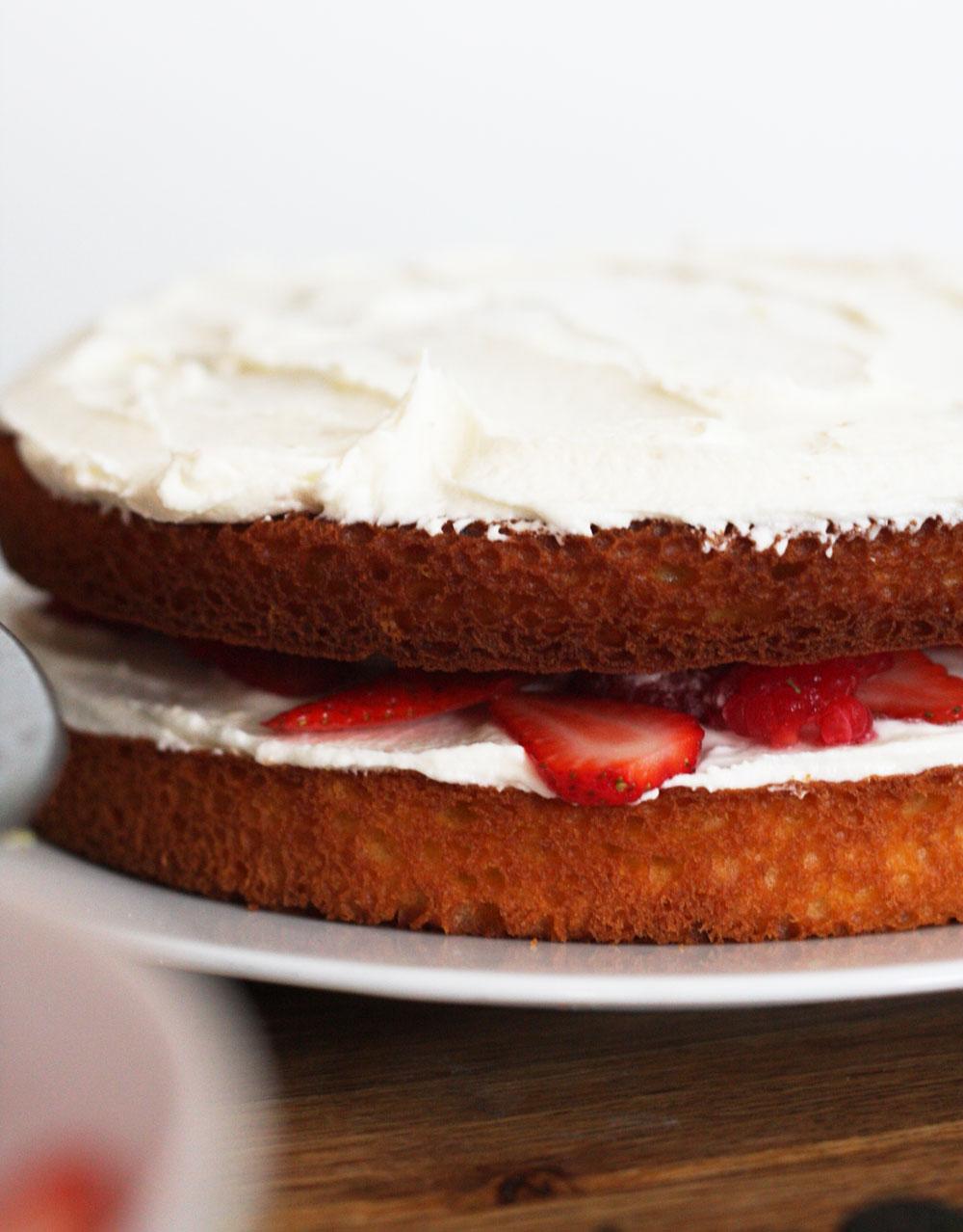 jestcafe.com-babyshower-and-naked-cake7