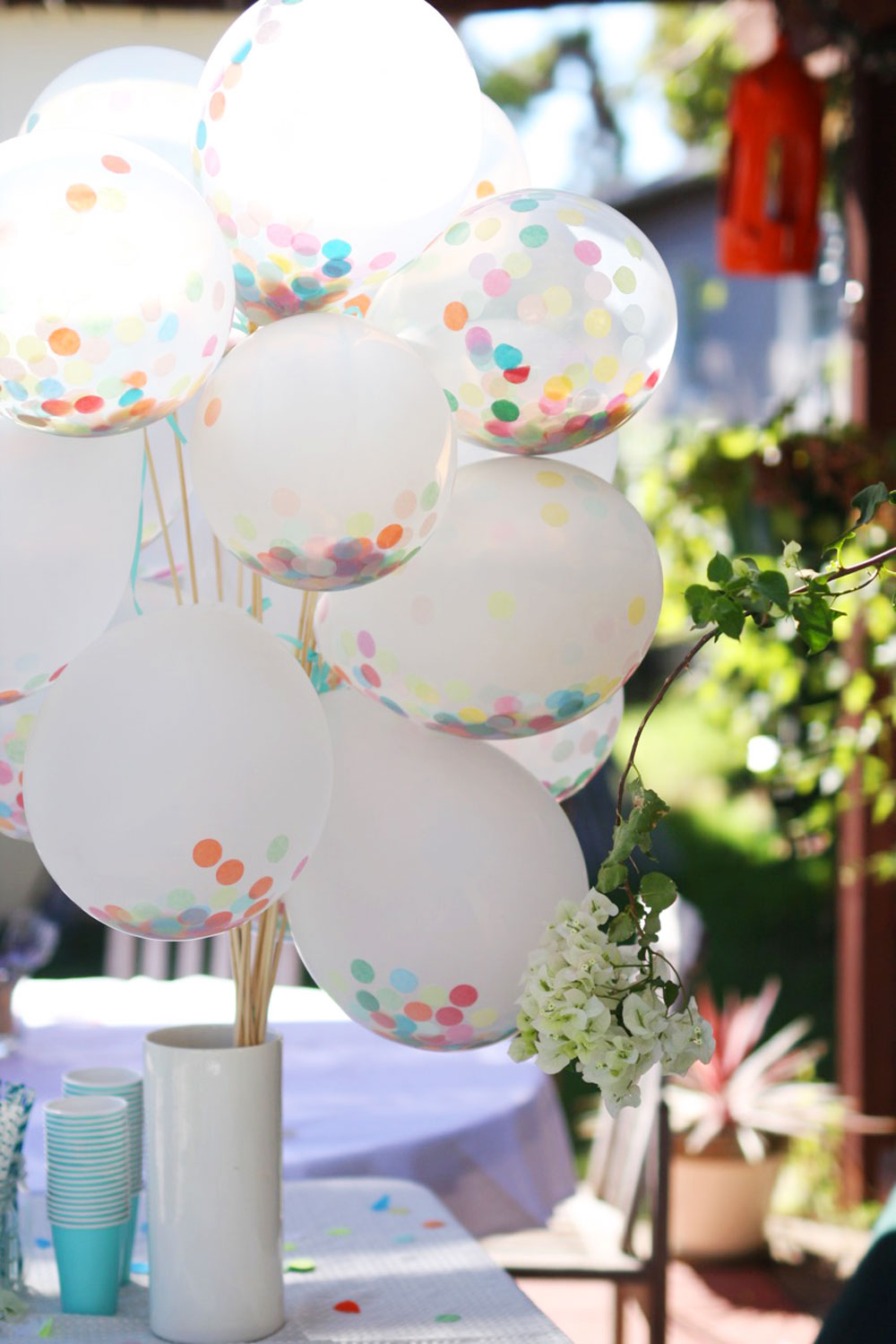 jestcafe.com-balloon-confetti1