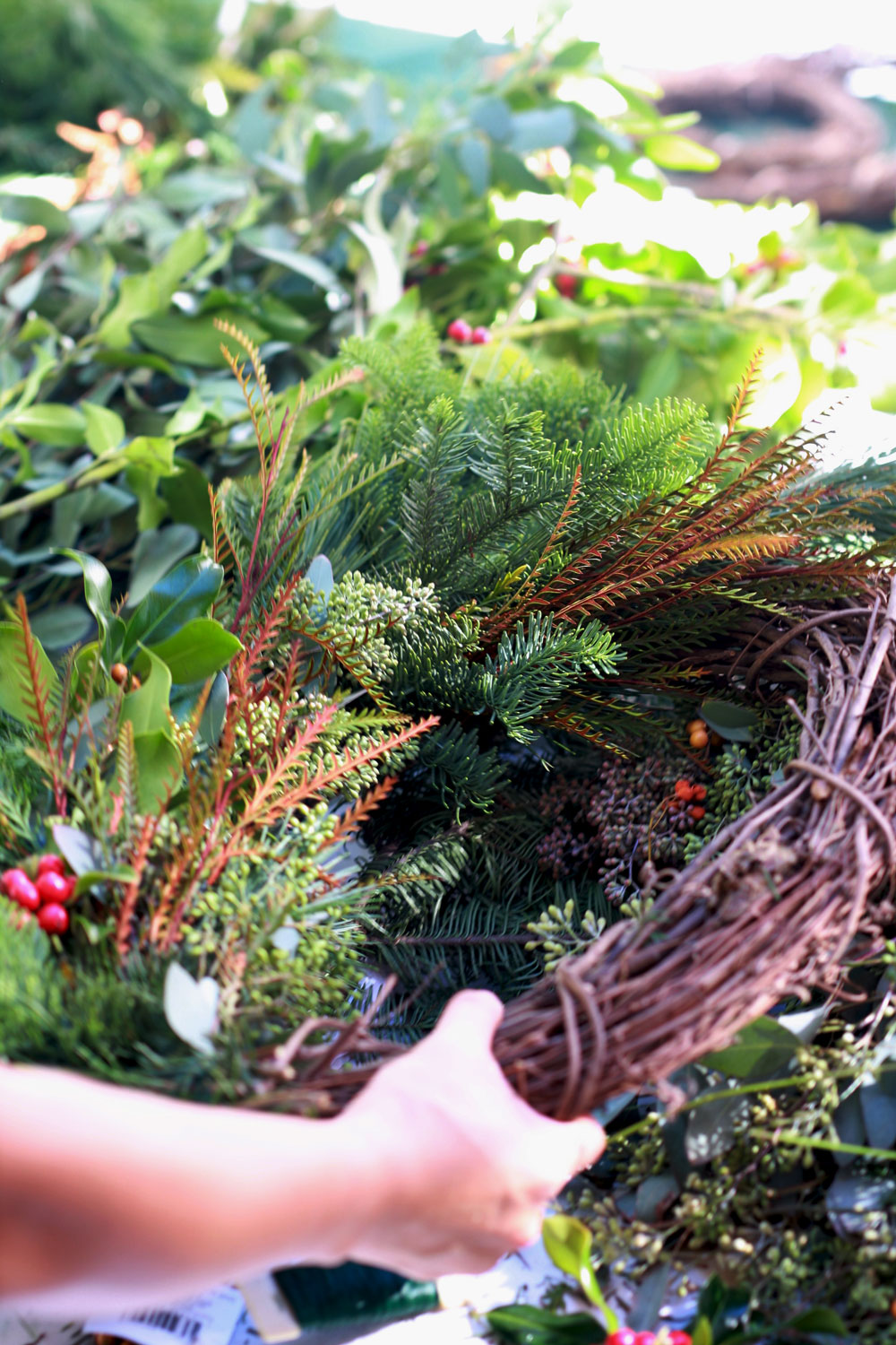 jestcafe.com-wreath-making16