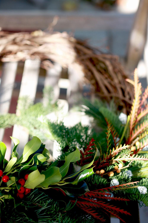 jestcafe.com-wreath-making17