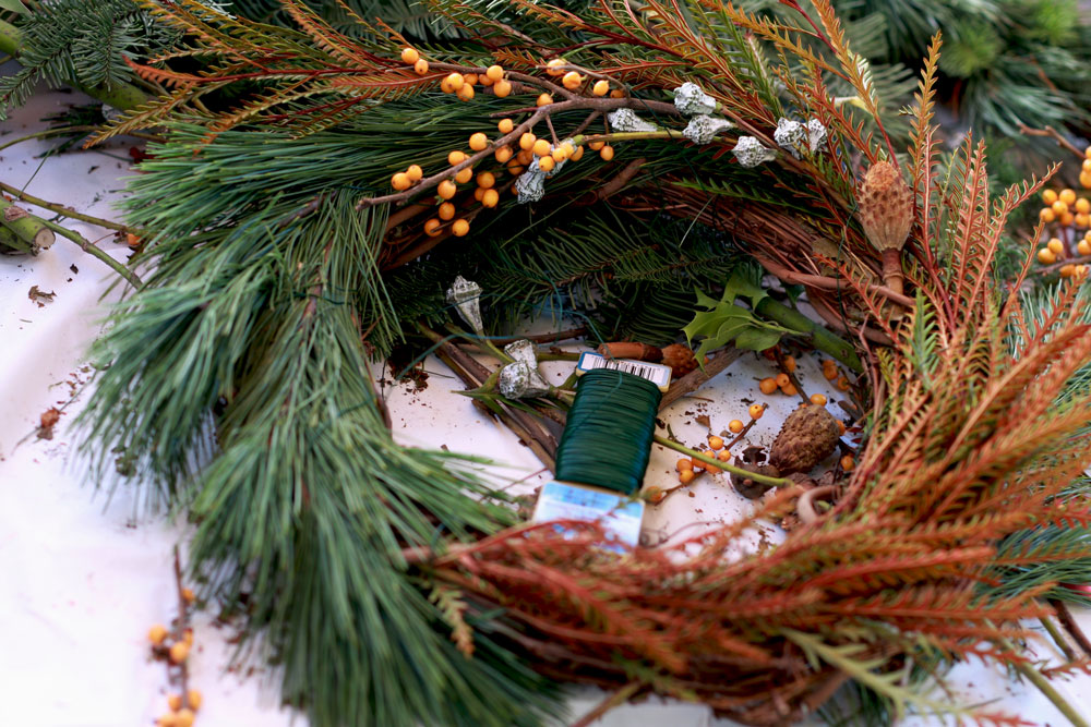 jestcafe.com-wreath-making18