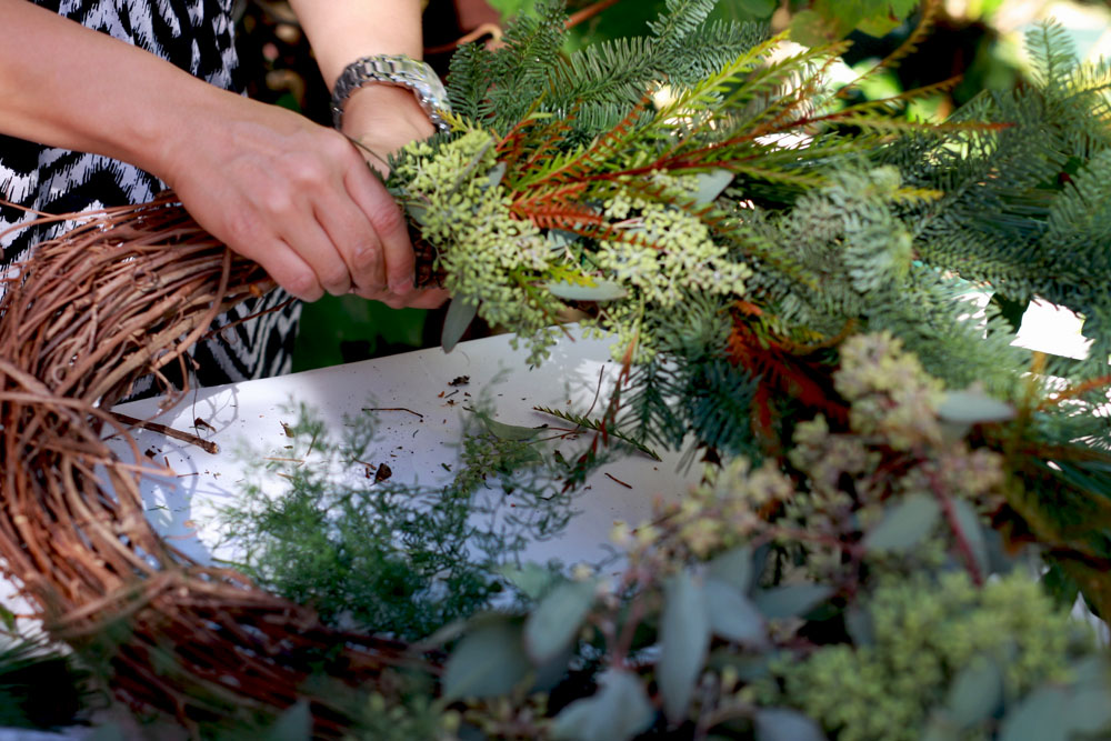 jestcafe.com-wreath-making21
