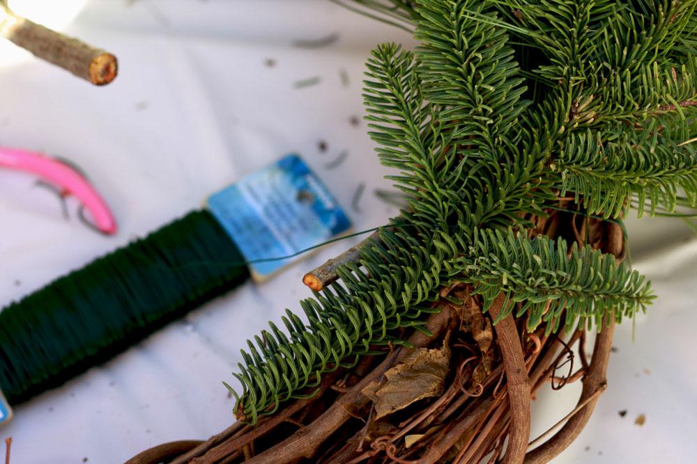 jestcafe.com-wreath-making24