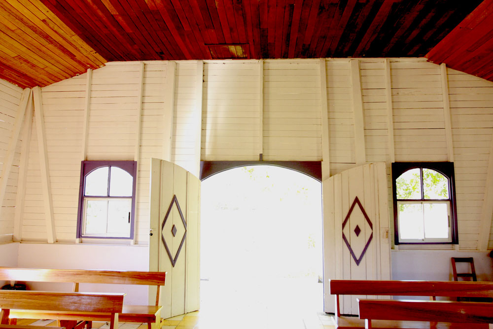 jestcafe.com---Costa-Rican-church-14