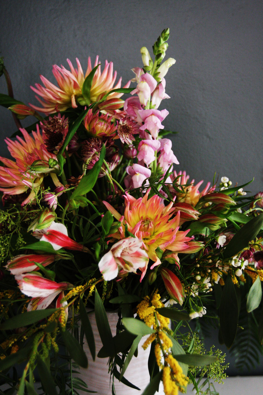 jestcafe.com-flower-arrangements4