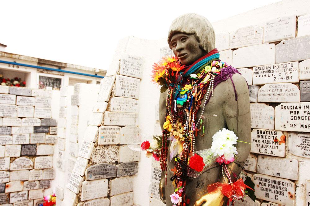 jestcafe--Punta-Arenas-Cemetery30