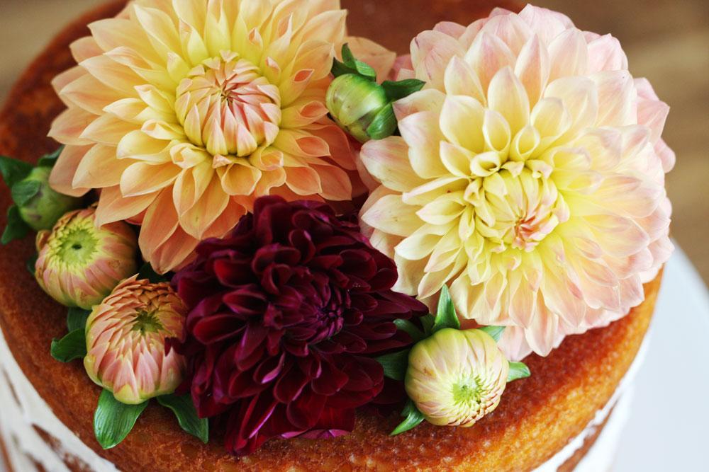 jestcafe.com-babyshower-and-naked-cake14