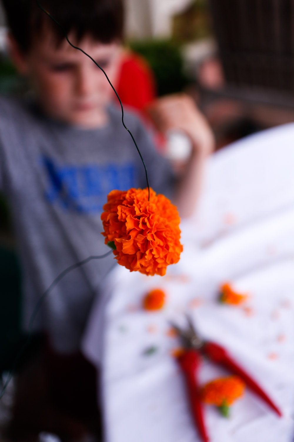 how to make marigold garland