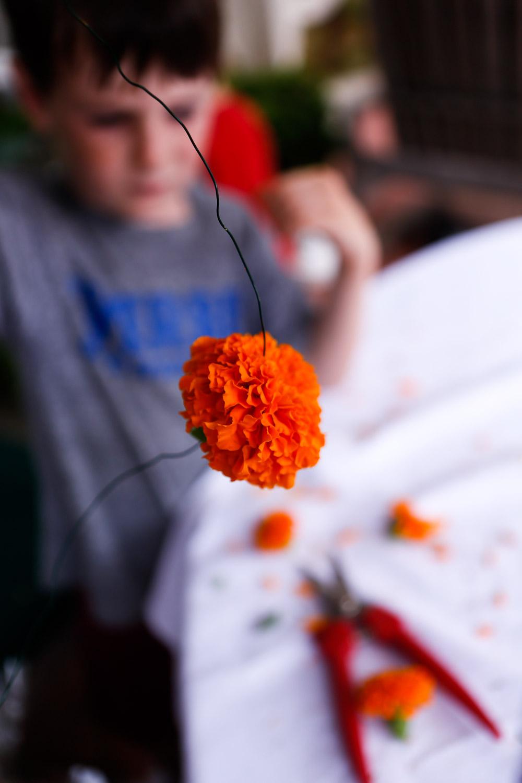 how to make marigold garland