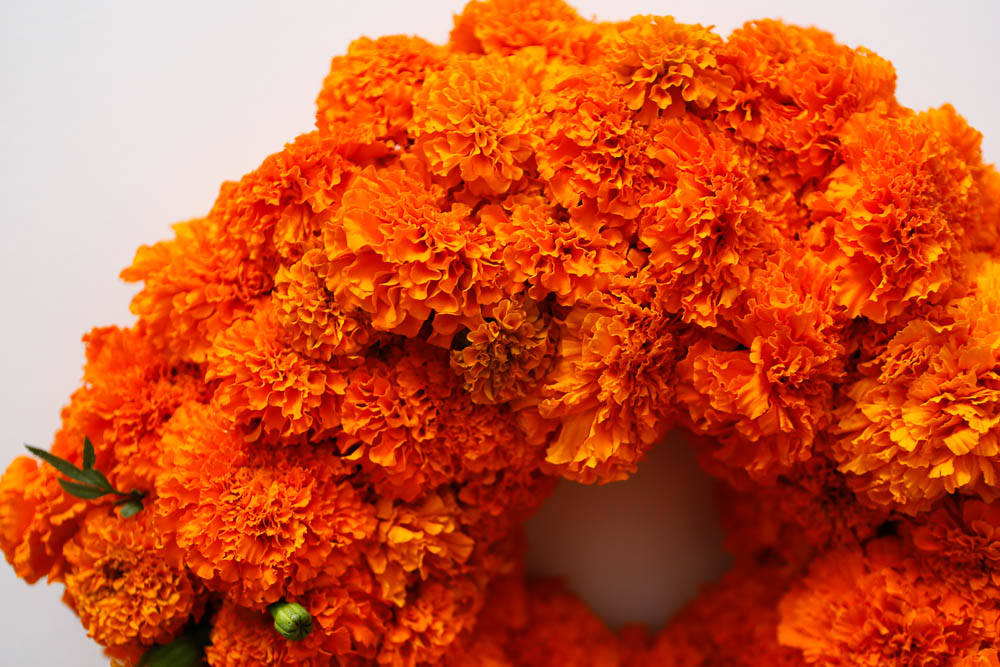 how to marigold wreath